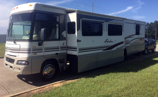 2004 Winnebago Adventurer 38G